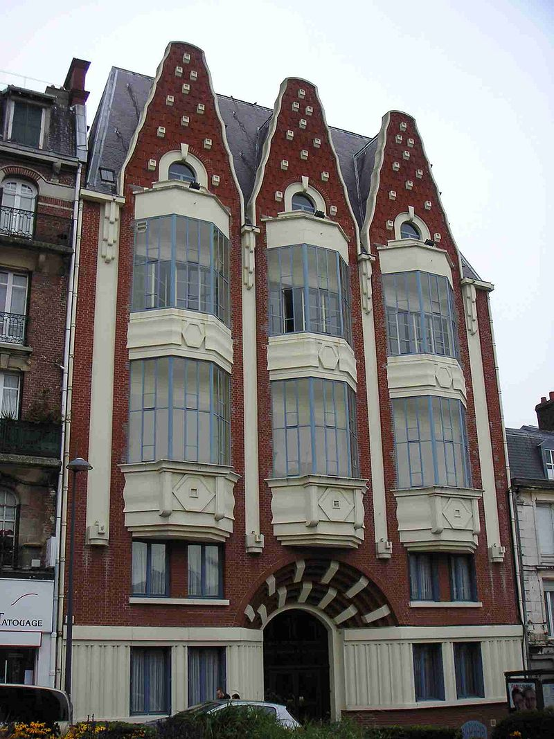 800px-Oriel_Saint-Quentinois