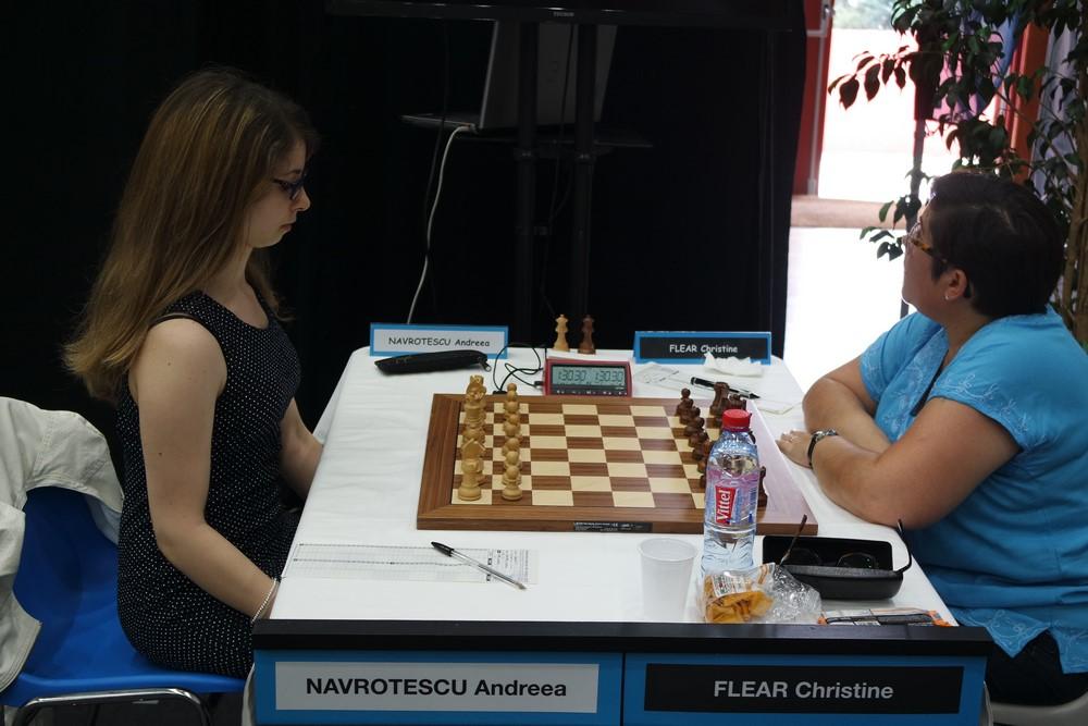 Andreea Navrotescu contre Christine Flear